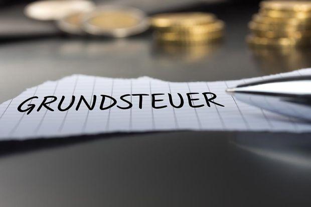 Photo: Schriftzug Grundsteuer