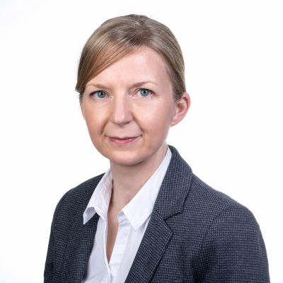 Elke Golla, Certified legal specialist