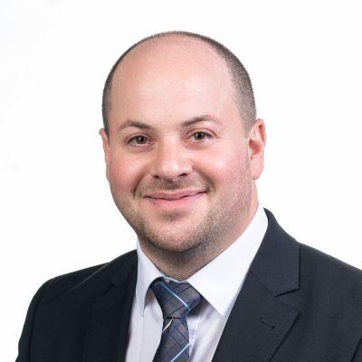 Stefan Müller, Steuerfachangestellter, Fulda